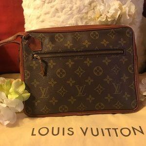 AUTH VINTAGE Louis Vuitton Pochette Sport Clutch!